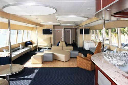 Venetian Lady Guests 140 Charters From Boatmiami