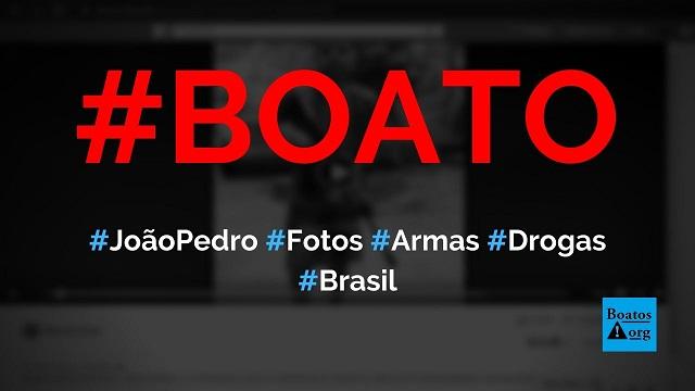João Pedro, jovem morto pela polícia, posa com armas e drogas em vídeo, diz boato (Foto: Reprodução/Facebook)