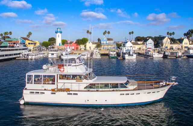 The Legend Yacht (1-41 Passengers)