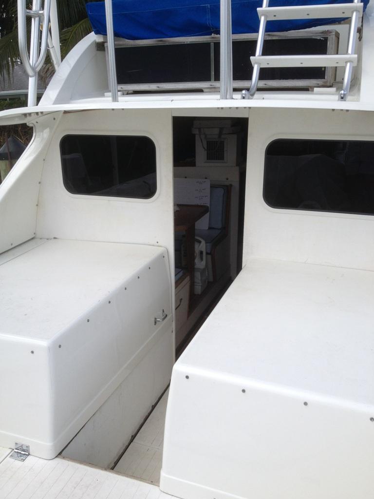 Bertram port and starboard bulkhead boat winodws