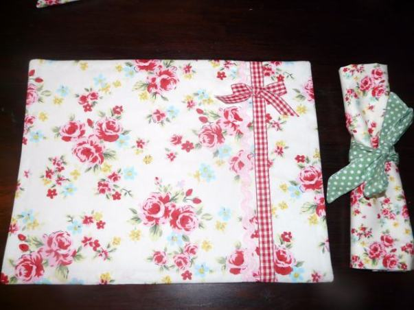 place mats and napkins bobbins and buttons