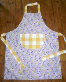 reverse apron bobbins and buttons
