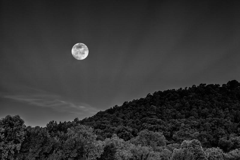 10463. Setting moon, Arkansas
