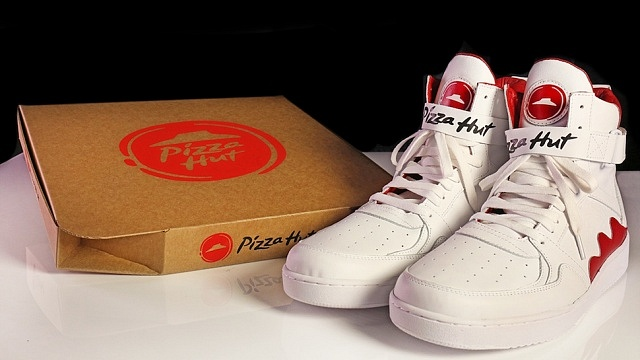 pizza-hut-shoes