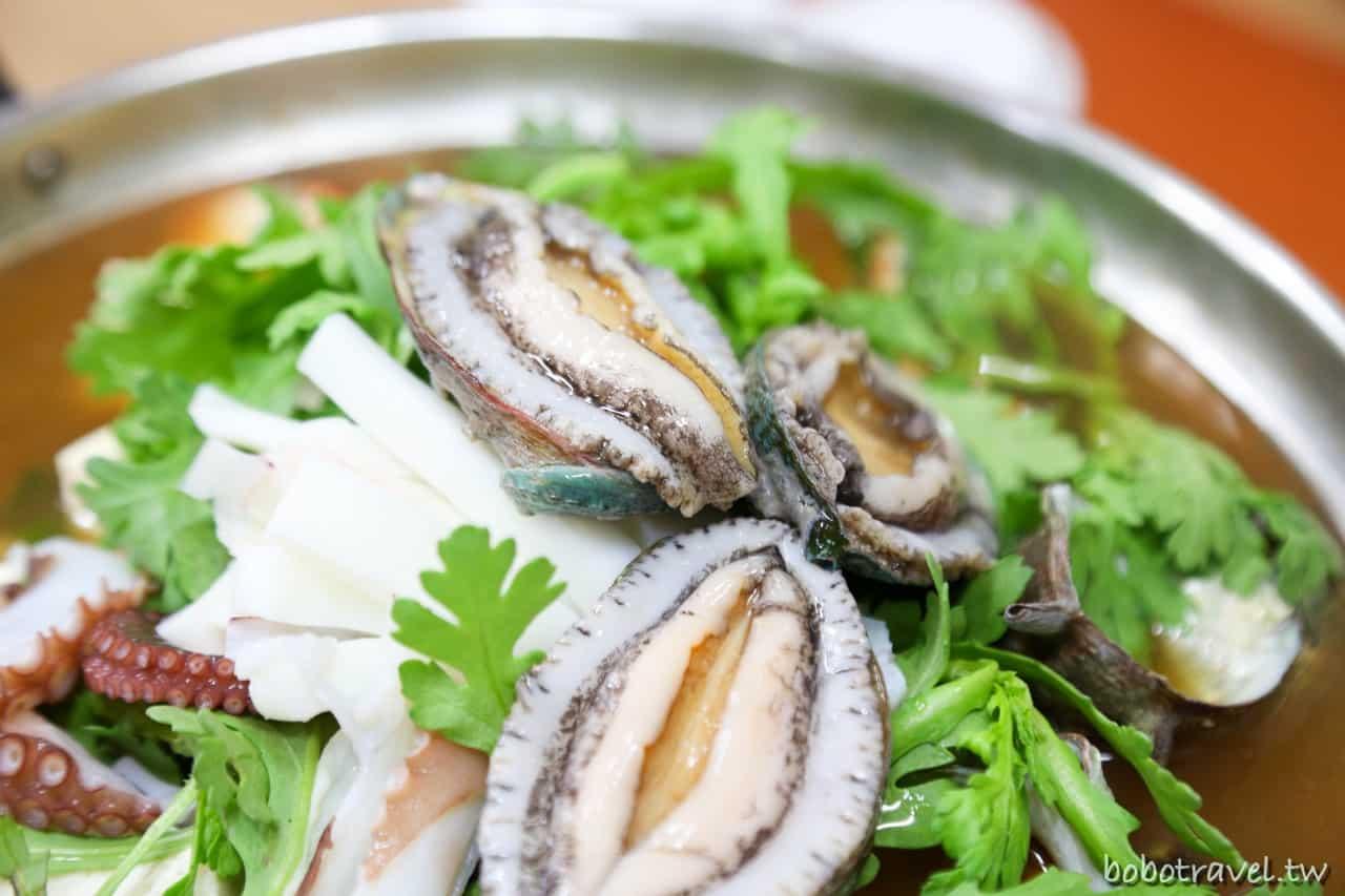 濟州島涯月美食|鮑魚螃蟹滿出來,在地人才知道的浮誇海鮮鍋  동귀어촌계횟집