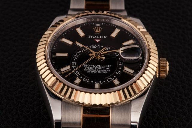 Rolex Sky-Dweller Ultimate Buying Guide two-tone yellow rolesor 326933