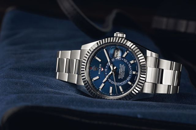 Rolex Sky-Dweller Ultimate Buying Guide white rolesor 326934