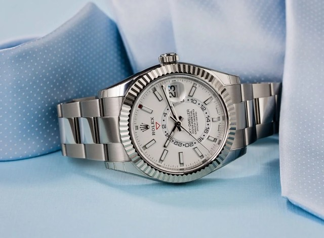 Rolex Sky-Dweller Ultimate Buying Guide stainless steel 326934