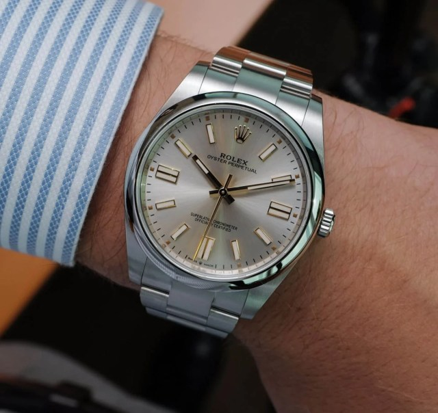 Rolex Oyster Perpetual 41mm 124300 Silver Dial