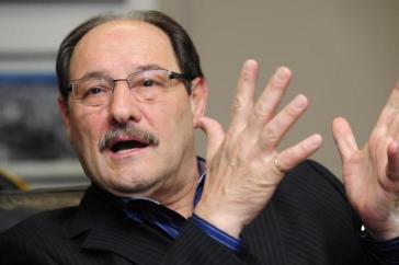 Sartori assina decreto para cortar despesas em R$ 1 bilhão no RS e não descarta atrasar ou parcelar salários de servidores estaduais