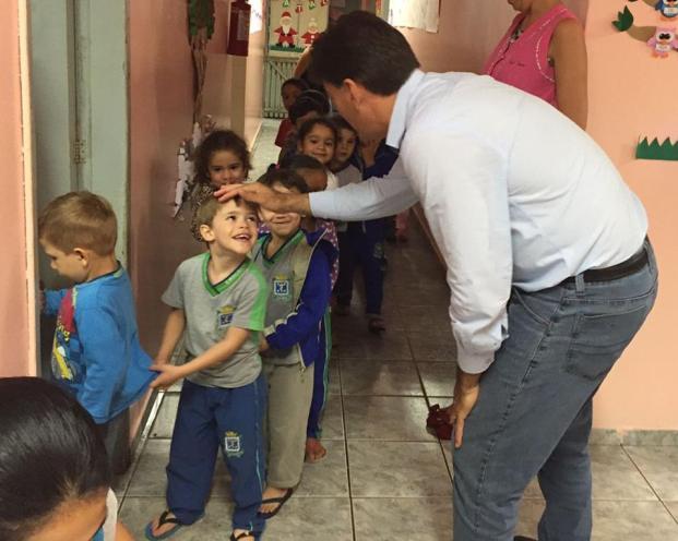 Criança tem que ser prioridade!, diz Paranhos