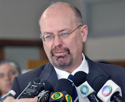 Rede lança Jorge Bernardi