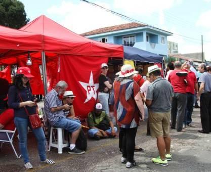 Justiça multa manifestantes de Lula em Curitiba