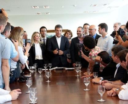Richa autoriza R$ 234 milhões para obras de duplicação de rodovias e viaduto no Paraná