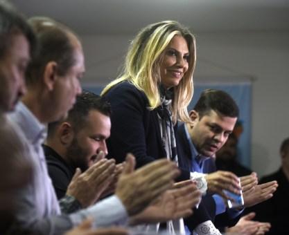 Cida assina decreto para criação do curso de Direito na Unespar em Paranavaí