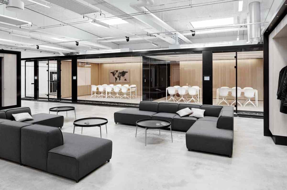 BoConcept Experience stellt das Carmo Sofa vor