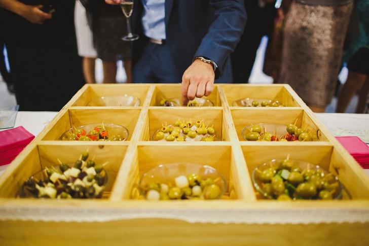 buffet de encurtidos boda www.bodasdecuento.com