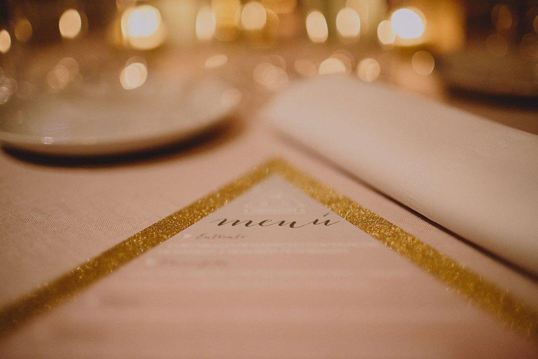 minuta de boda en dorado www.bodasdecuento.com