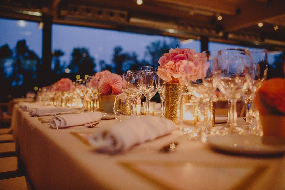 salón de boda decorado por wedding planner zaragoza www.bodasdecuento.com