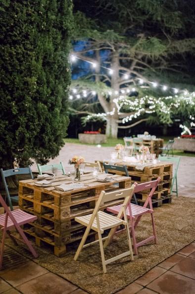 sillas de colores bodas www.bodasdecuento,com