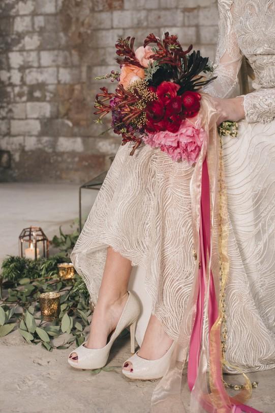 ramo novia con cintas www.bodasdecuento.com