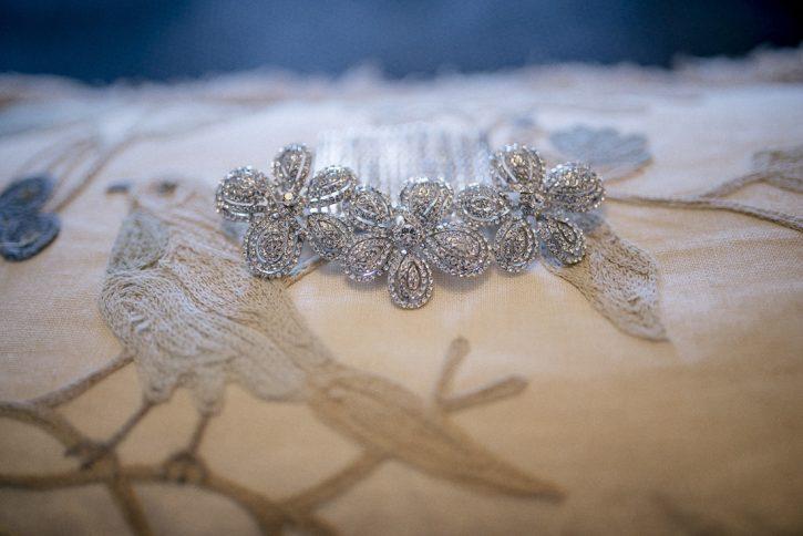 tiara novia www.bodasdecuento.com