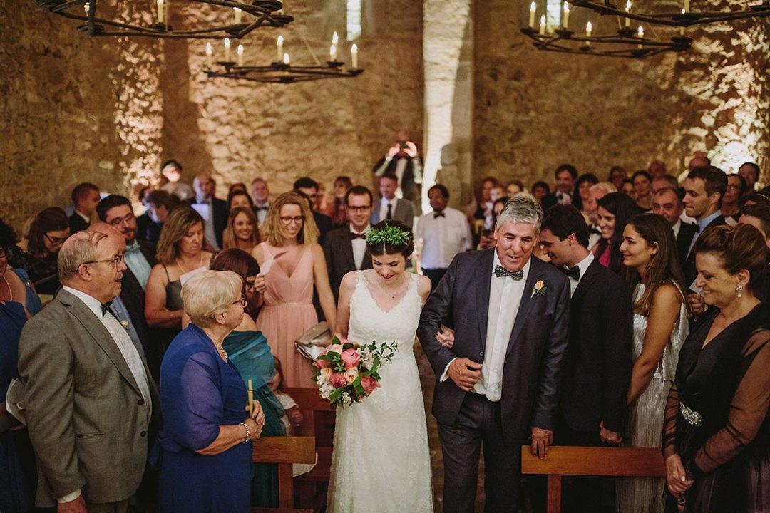 entrada novia ceremonia www.bodasdecuento.com