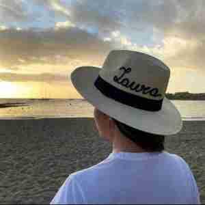 Sombrero personalizado con nombre