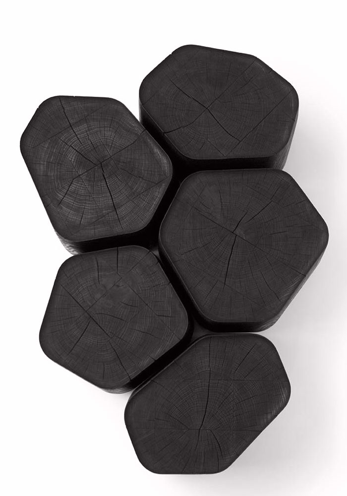 Black table: The Basalt table by Normal studio