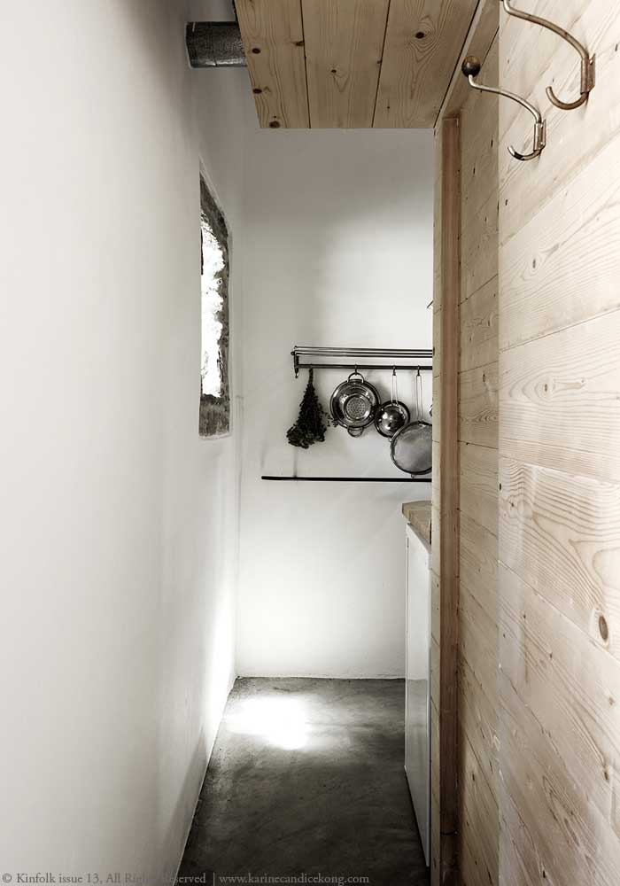 Concrete floor & wooden walls