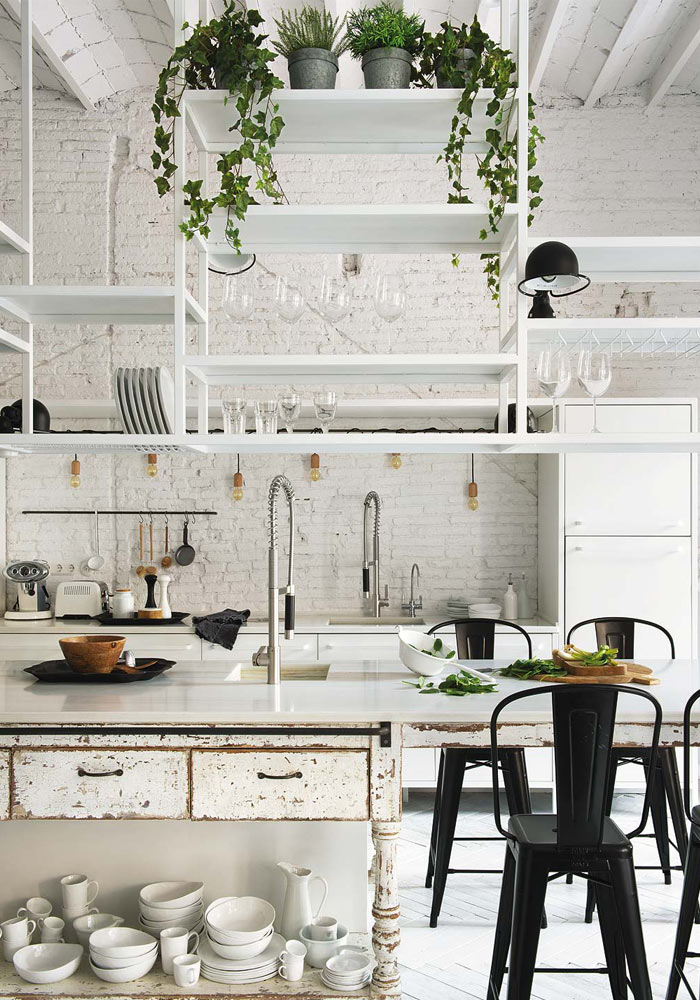 A white apartment in Barcelona with an amazing kitchen