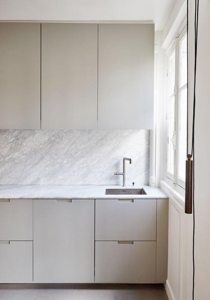 minimalist grey kitchen with marble worktop