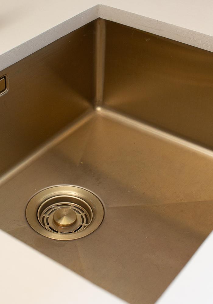 Nivito brass sink at CASA PYLA