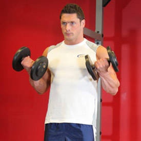 dumbbell-curl-instruction-step-2