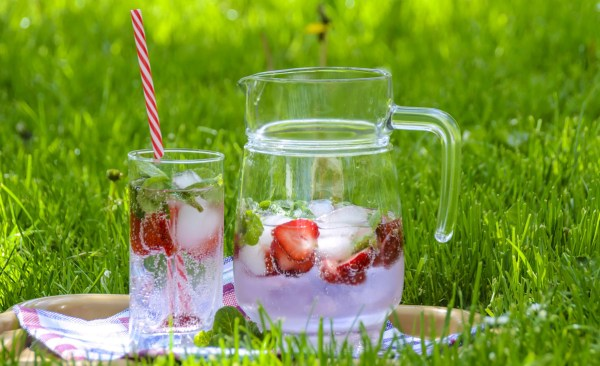strawberry fruit water