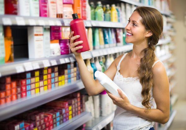 Forfora o problemi di scolorimento, quale shampoo per quale problema di capelli ?