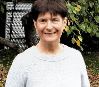 Dr. Eilis Field