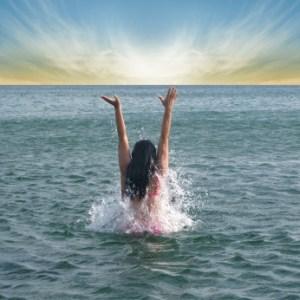 girl-in-sea
