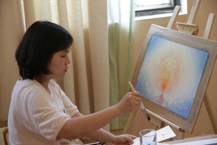 Schülerin und Bild
