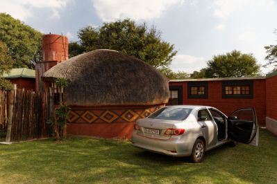 Zeederberg Cottages&Backpackers