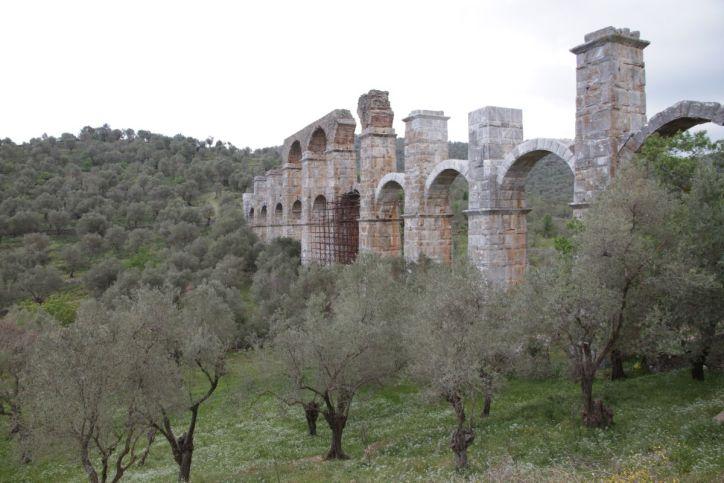 Römisches Äquadukt bei Moria