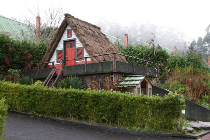 Typisches Santana-Haus