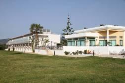 Natura Beach Hotel von der Meerseite