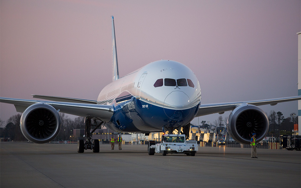 https://i1.wp.com/www.boeing.com/resources/boeingdotcom/commercial/787-10/assets/images/gallery/gallery-large-19.jpg