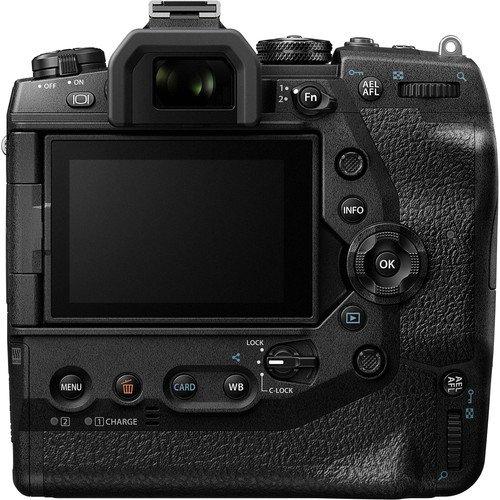 Olympus OM-D E-M1X Mirrorless Digital Camera (Body Only) (FREE GIFT 32GB UHS-ll SD CARD X2 + CAMERA BAG)