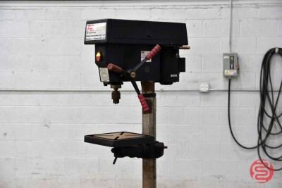 2006 Dayton 17in Drill Press - 061521030311
