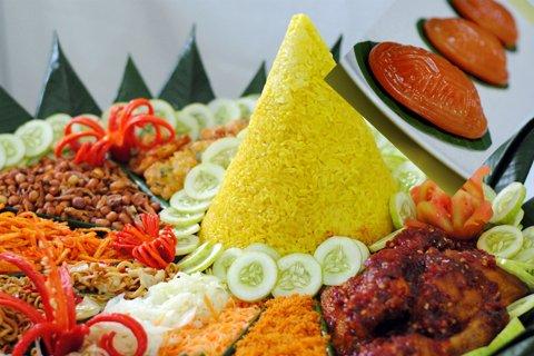 Nasi-Tumpeng-Tiga-Nasi-Kentjana-1500