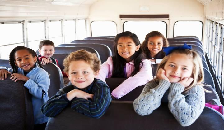 Resultado de imagen de transporte escolar niños