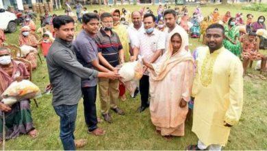 "Photo of বগুড়ায় শতাধিক হিন্দু পরিবারের মাঝে ""উদ্যোগ""র উপহার"
