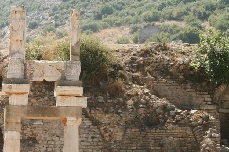 Efeze Pilaren